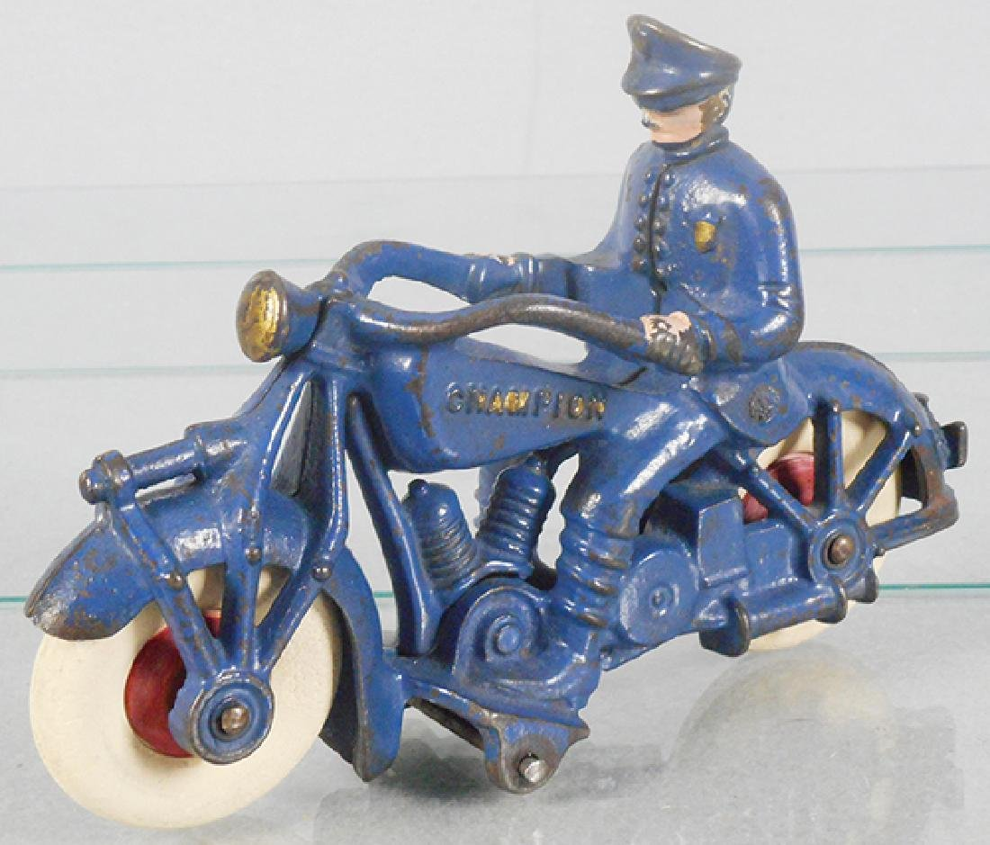 CHAMPION POLICE MOTORCYCLE