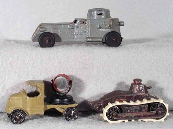 004A: 3 TOOTSIETOY ARMY VEHICLES