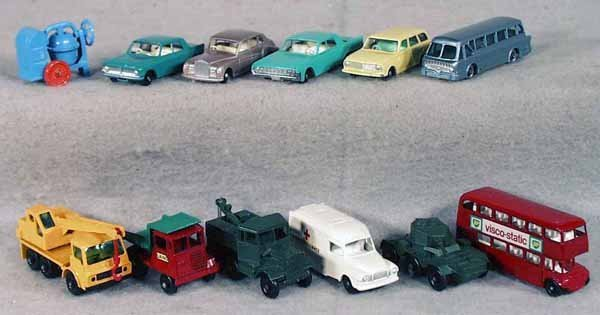 008A: 12 MATCHBOX VEHICLES
