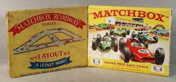 1008: 2 MATCHBOX ROADWAYS