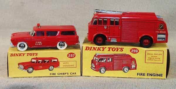 1018: 2 DINKY VEHICLES