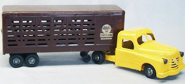 014A: STRUCTO 712 DELUXE CATTLE TRANSPORT