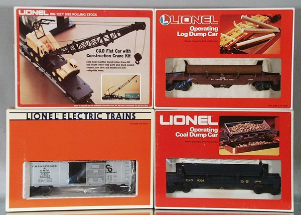 004A: 4 LIONEL FREIGHT CARS