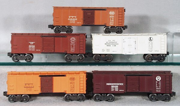 010A: 5 LIONEL CARS
