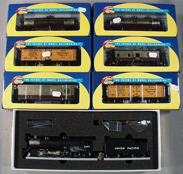 12: ATHEARN WINE & CHEESE TRAIN SET