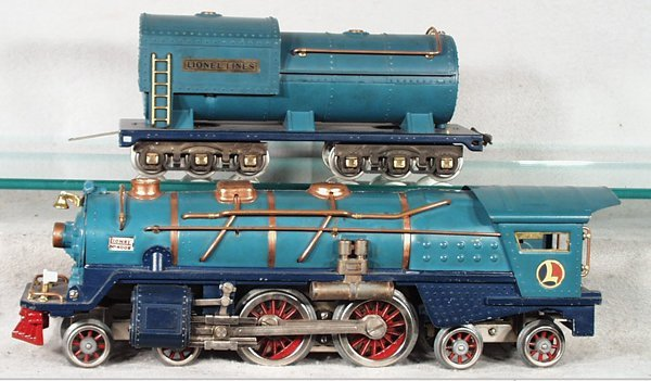 369: LIONEL BLUE COMET TRAIN SET