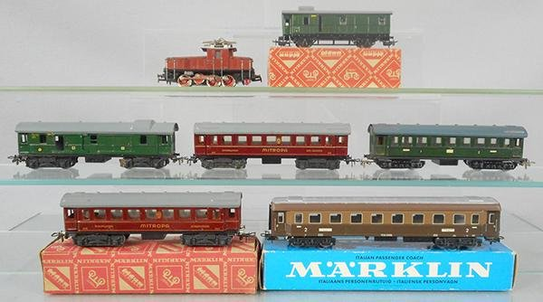 MARKLIN GERMAN TRAIN SET