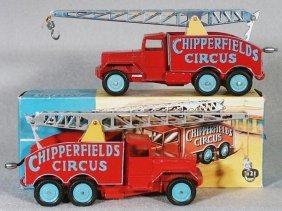 2 CORGI 1121 CHIPPERFIELDS CIRCUS CRANE TRUCKS