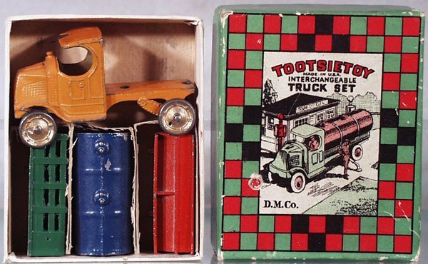 015: TOOTSIETOY 170 INTERCHANGEABLE TRUCK SET
