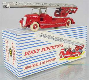 FRENCH DINKY 899 FIRE LADDER TRUCK