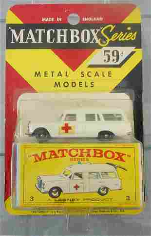 MATCHBOX 3C2 MERCEDES AMBULANCE BLISTER PACK