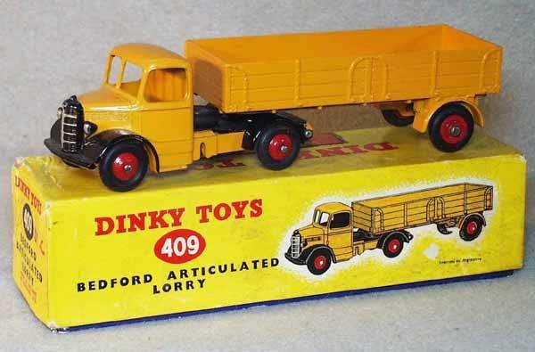 005: DINKY 409 BEDFORD ARTICULATED LORRY