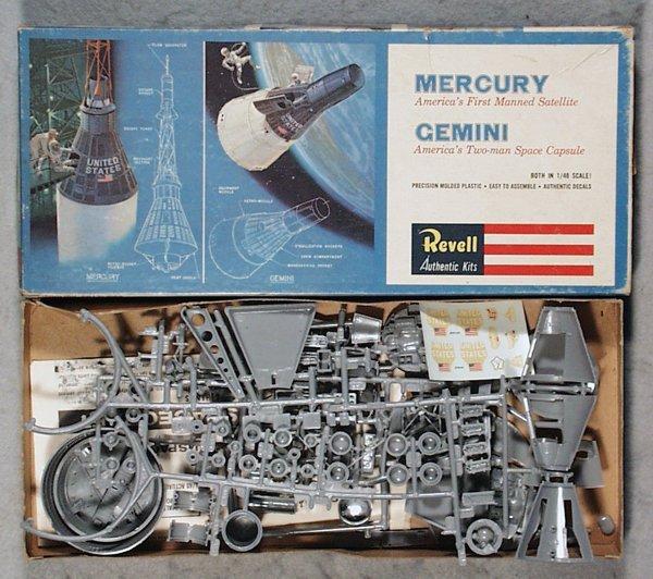 242: REVELL H-1834 MERCURY & GEMINI CAPSULE MODEL KIT