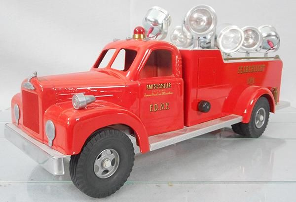 SMITH MILLER SEARCHLIGHT TRUCK