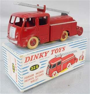 FRENCH DINKY 32E BERLIET FIRE TRUCK