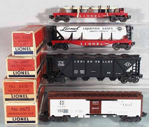 13: 4 LIONEL FREIGHT CARS