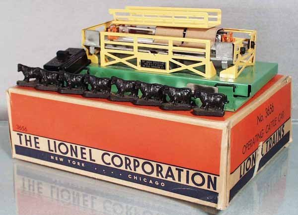 24: LIONEL 3656 OPERATING CATTLE CAR & CORRAL