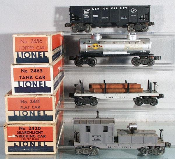 005: 4 LIONEL FREIGHT CARS