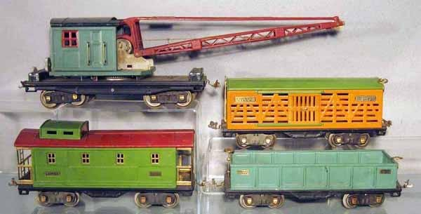 023: 4 LIONEL FREIGHT CARS