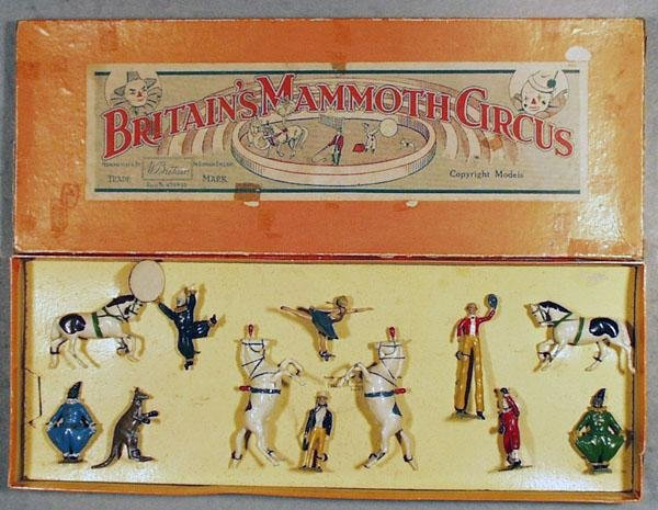 3: BRITAINS 2054 MAMMOTH CIRCUS