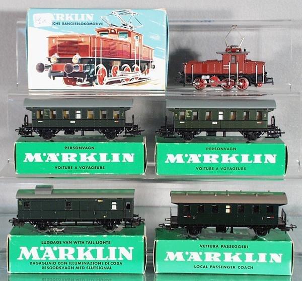 17: MARKLIN TRAIN SET
