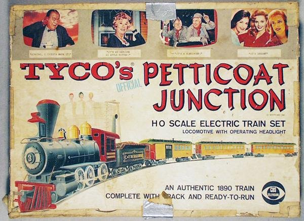 300: TYCO 6526 PETTICOAT JUNCTION TRAIN SET