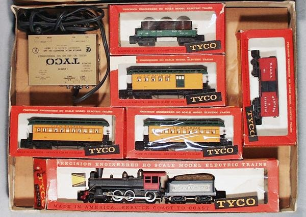 300: TYCO 6526 PETTICOAT JUNCTION TRAIN SET - 2