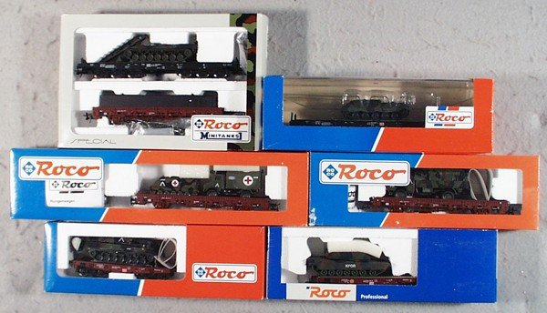 10: ROCO MILITARY FREIGHT CARS
