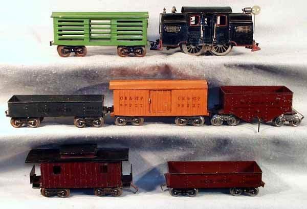 004: LIONEL TRAIN SET