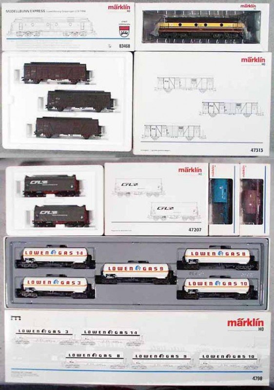 11: MARKLIN TRAIN SET