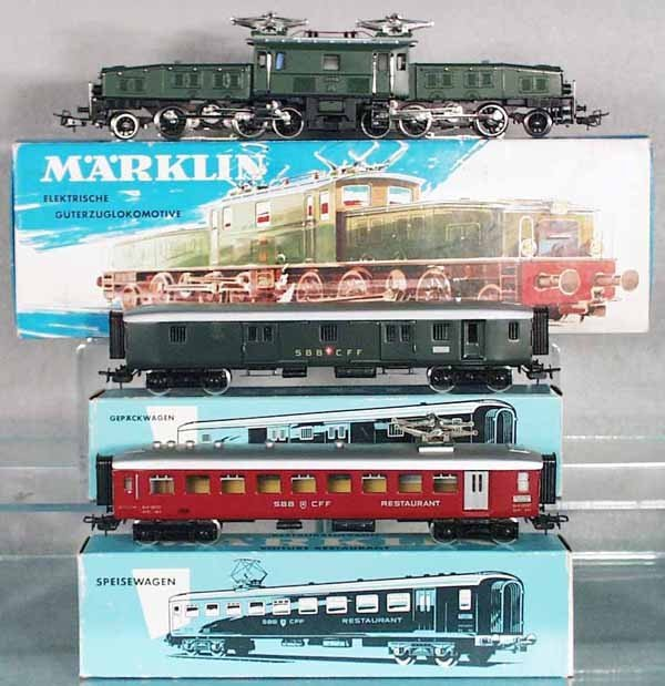 425: MARKLIN TRAIN SET