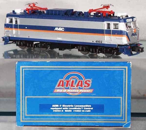 15: ATLAS 4902 AEM-7 ELECTRIC LOCO