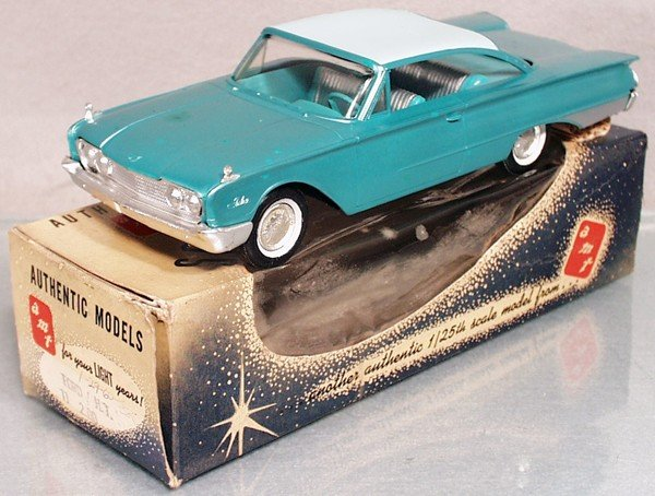8: AMT 1960 FORD STARLINER PROMO