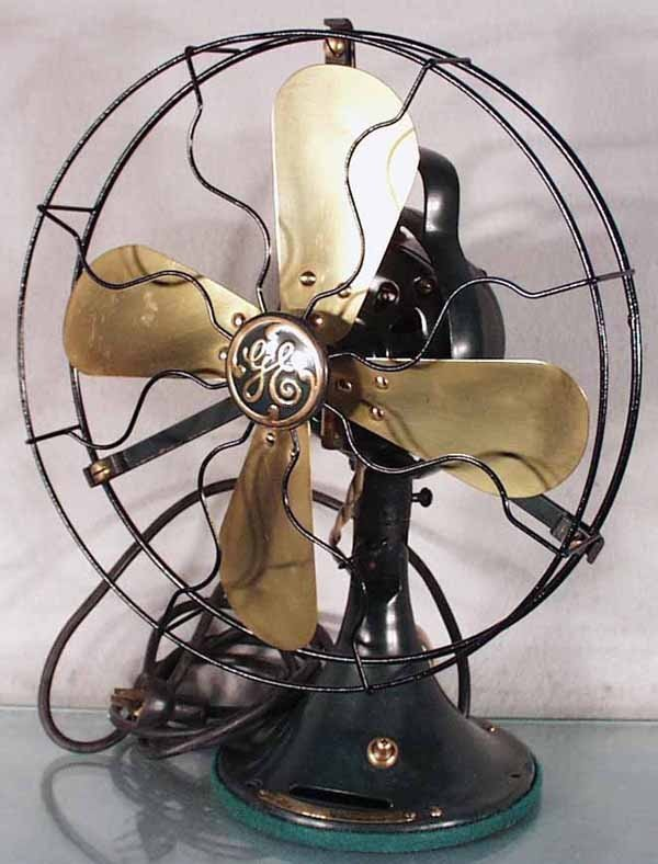 152: GE BRASS BLADE FAN