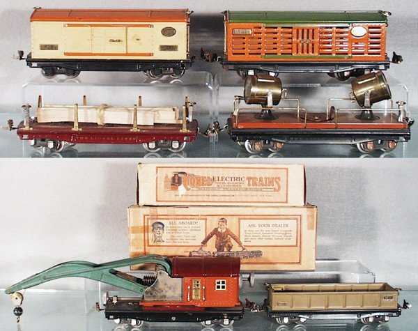 5: 6 LIONEL FREIGHT CARS