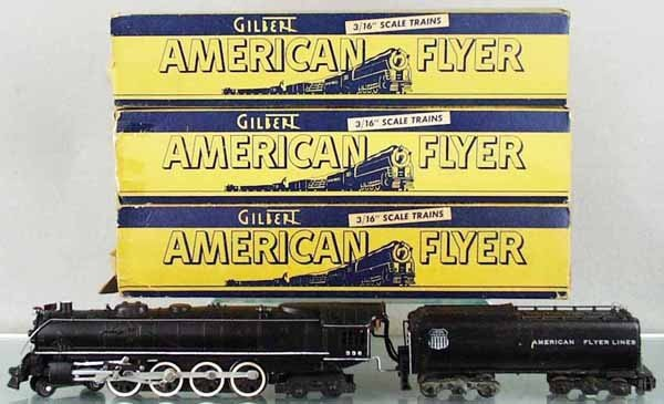 14: AMERICAN FLYER TRAIN SET