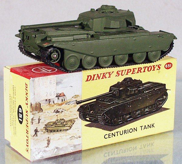 2: DINKY 651 CENTURION TANK