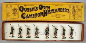 BRITAINS SET 114 QUEEN'S OWN CAMERON HIGHLANDERS
