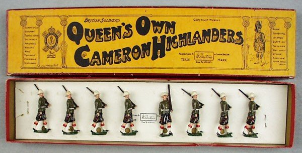 17: BRITAINS SET 114 QUEEN'S OWN CAMERON HIGHLANDERS