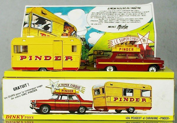 218: DINKY FR882 PINDER CIRCUS PEUGEOT W/CARAVAN