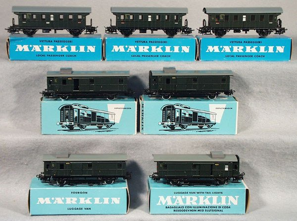 1024: MARKLIN PASSENGER CARS