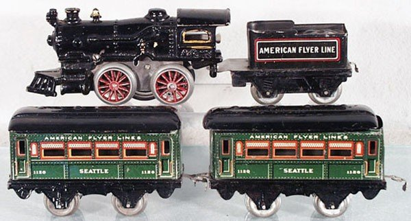 75: AMERICAN FLYER TRAIN SET