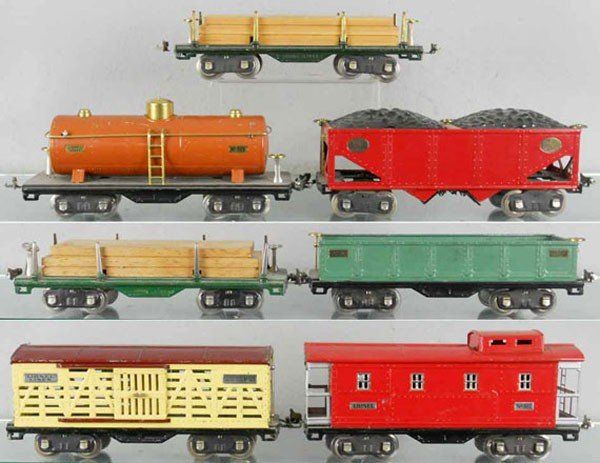 153: 7 LIONEL FREIGHT CARS