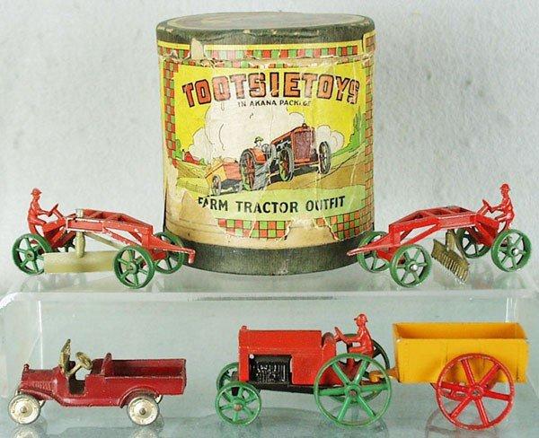 74: TOOTSIETOY 5010 AKANA FARM TRACTOR SET