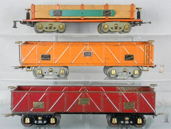 4: 3 AMERICAN FLYER FREIGHT CARS