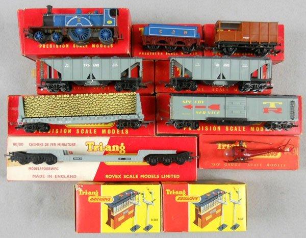 10: TRIANG TRAIN SET