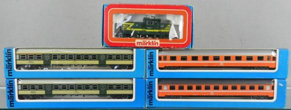122: MARKLIN TRAIN SET