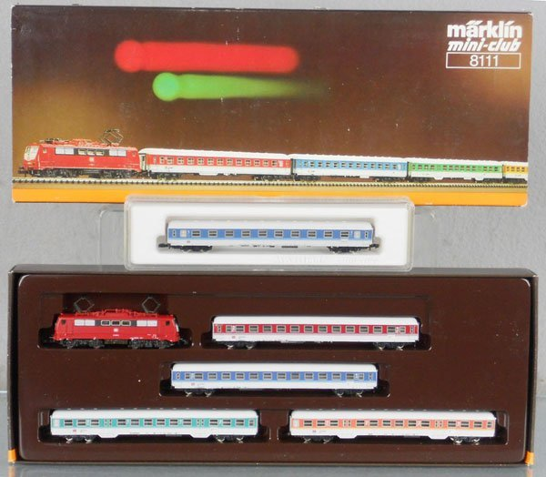 126: MARKLIN MINI-CLUB GERMAN TRAIN SET
