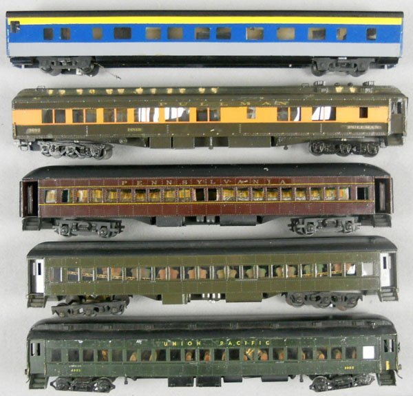 131: 5 SCALE COACHES