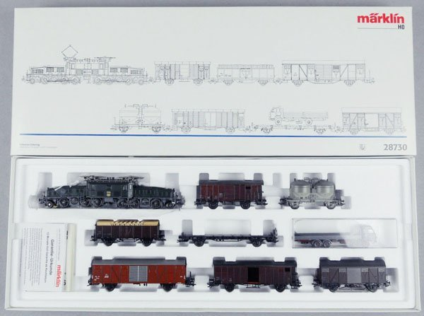 138: MARKLIN 28730 SWISS TRAIN SET